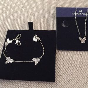 Swarowsky set of necklace and bracelet